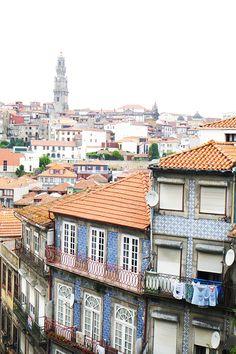Guía de Oporto y alrededores | Aubrey and Me Portugal, Porto City, Discovery, Paris Skyline, The Good Place, Fine Art, Mansions, Country, World