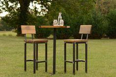 Wood and Steel Pub Table and Barstools Reclaimed por ElpersDesign