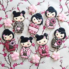 Kawaii Kokeshi Doll Cookies by cREEeative Cookies, posted on Cookie Connection Kawaii Cookies, Fancy Cookies, Iced Cookies, Cute Cookies, Royal Icing Cookies, Cupcake Cookies, Sugar Cookies, Cookies Decorados, Galletas Cookies