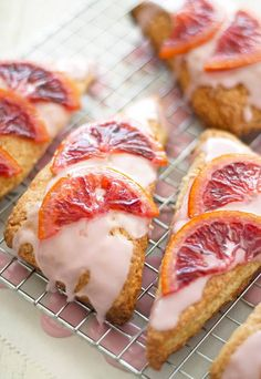 DOMINO:35 scones to pack for office breakfast