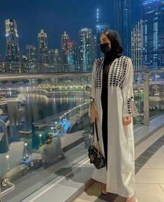 Abaya Fashion, Muslim Fashion, Modest Fashion, Fashion Outfits, Hijab Dress, Hijab Outfit, Blue Abaya, Arab Girls, Girls Dp