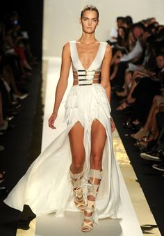 Photos: Herve Leger by Max Azria Spring 2012 – New York Fashion Week Max Azria, Catwalk Fashion, Fashion Show, Trendy Fashion, Herve Leger Dress, Glamour, White Maxi Dresses, White Dress, Couture Dresses
