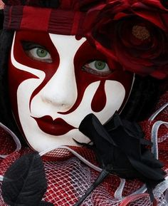 Red and white face paint mask Venetian Carnival Masks, Carnival Of Venice, Pierrot Clown, Costume Venitien, Venice Mask, Theatrical Makeup, Beautiful Mask, Masks Art, Costume Makeup