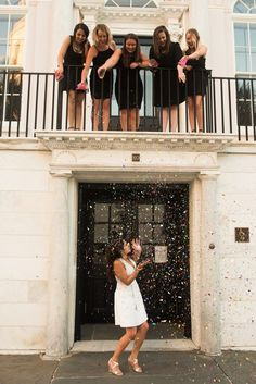 Bachelorette Party in downtown Charleston / photos by Reese Moore Weddings www.reesemooreweddings.com
