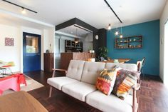 Color the space with colorful doors! Create Your House, Sofa, Couch, Living Room Remodel, Living Room Designs, Doors, Interior Design, Inspiration, Furniture