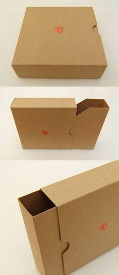 This Pin was discovered by Lau Usb Packaging, Cardboard Packaging, Print Packaging, Packaging Design, Album Design, Box Design, Creative Box, Folder Design, Portfolio Design