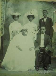 Huwelijksfoto G.E. Amstelveen en mej. J.W. Menneke 1912 Suriname