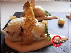 Stoccafisso in guazzetto con vellutata di cannellini al peperoncino, patate e la loro buccia fritte e aria di Curry