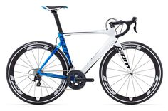 Giant is the world's largest bike manufacturer and its road bike range is huge. Here's your definitive guide to all Giant's road bikes Fixed Gear Bicycle, Bicycle Race, Bike Run, Road Bike Women, Bicycle Women, Trekking, Ski, Bikes Direct, Giant Bikes