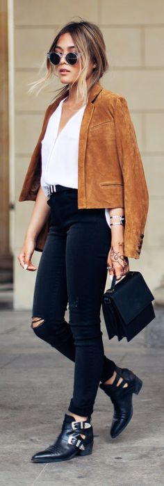 Camel Suede Jacket White V-neck Top Black Ripped Skinnies Black Buckled Boots
