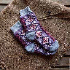 Купить Носки позитивные веселые с рисунком пурпурные снежинки - комбинированный, рисунок, подарок подруге