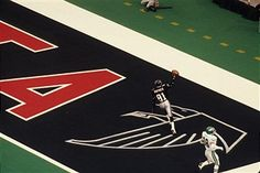 Michael Haynes scores first touchdown in the Georgia Dome  http://cache3.asset-cache.net/xr/81039030.jpg?v=1&c=IWSAsset&k=3&d=77BFBA49EF8789215ABF3343C02EA548FA14D63508712D54435CA57264E7DD17F98DBA1A7485D736
