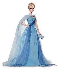Buenos días! Hoy Barbie la muñeca más famosa cumple 55 años!! En el mundo actual de Barbie esta ya dejo de ser solo una muñeca para convertirse en un icono de la moda