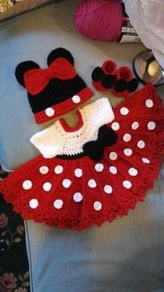 Crochet minnie mouse set this one is so cute Fits months, ready to ship Diy Crochet Patterns, Crochet Baby Dress Pattern, Diy Crafts Crochet, Baby Girl Crochet, Crochet Baby Clothes, Baby Knitting Patterns, Crochet For Kids, Hand Crochet, Crochet Projects