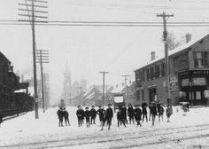 Snowball fight at Chicago and Noble, Chicago. The church in the background is St. Boniface at Chestnut and Noble. Where all the buildings stand on the right is now Eckhart Park. Chicago Street, Chicago River, Nostalgic Images, Chicago Neighborhoods, West Town, Chicago Photos, My Kind Of Town, Chicago Illinois, Winter Scenes