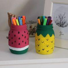 Stiftehalter in Melonen und Ananas Optik Pen holder in melons and pineapple optics Diy Crafts For Girls, Diy Crafts Hacks, Diy Home Crafts, Diy Arts And Crafts, Paper Crafts, Kids Diy, Decor Crafts, Diy Projects, Glass Bottle Crafts