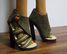 Tutorials for dozens of Barbie Shoes