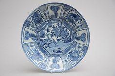Très grand plat Kraak en porcelaine de Chine 'Oiseaux' époque Ming (ø 50 cm)
