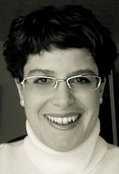 Come meet genealogy blogger Karen Krantzberg, author of The Road Backward blog, in this interview by Wendy Mathias at GeneaBloggers. #genealogy