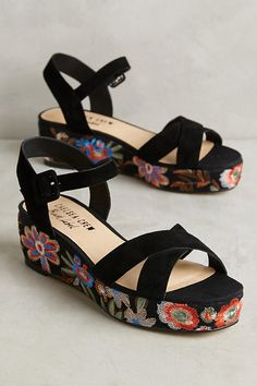 Slide View: 1: Chelsea Crew Embroidered Floral Sandals