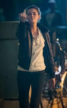 Kristen Stewart: flipping-the-bird