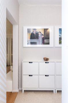 Biely botník Police, Garage Doors, Outdoor Decor, Home Decor, Decoration Home, Room Decor, Law Enforcement, Interior Design, Home Interiors