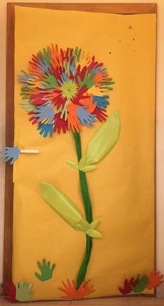 La puerta de mi clase en primavera.