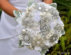 Couture flowers and brooches-the best one I've seen!