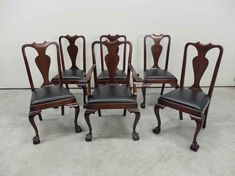Mahogany Fiddle Back Claw Foot Dining Chairs Antique Dining Chairs, Round Corner, Side Chairs, Really Cool Stuff, Armchair, Carving, Antiques, Arms, Furniture