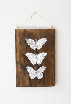 Items op Etsy die op Butterfly screenprinted wood wall art plaque in white ink lijken Woodworking Art Ideas, Linoleum Block Printing, Stencil Art, Picture On Wood, White Ink, Wood Wall Art, Diy Art, Painting On Wood, Screen Printing