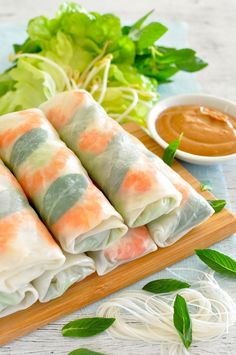 Vietnamese Rice Paper Rolls (Spring Rolls) - RecipeTin Eats