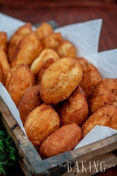 Meat Piroshki or Piroshky are little pockets of soft yeast dough, stuffed with juicy filling and then fried for the glorious perfection of a bite. Piroshky Recipe, Babka Recipe, Ukrainian Recipes, Russian Recipes, Ukrainian Food, Italian Recipes, Beef Recipes, Baking Recipes, Recipes