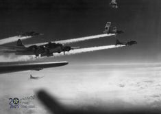B 17, Ww2 Aircraft, Military Aircraft, Rare Historical Photos, War Thunder, History Online, Ww2 Planes, Us Army, World War Two