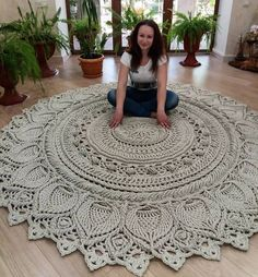 Crochet Doily Rug, Crochet Carpet, Crochet Mandala Pattern, Crochet Stitches Patterns, Crochet Home, Diy Crochet, Crochet Flowers, Braided Rag Rugs, Knit Rug