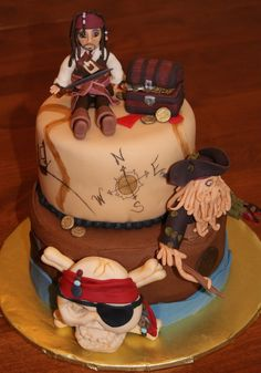 Can I have this on my birthday!? PLEASE!? Pirates of the Carribbean cake by Bethany