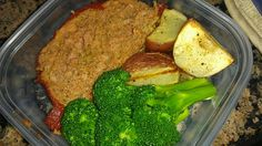 Lean Italian meatloaf pic    Lean Italian meatloaf made with 95% lean beef, 93% lean turkey Italian sausage, bread crumbs, egg, worcestershire, balsamic vinegar, fresh garlic, basil and onion, roasted with tomato paste and served with oven roasted potatoes and steamed broccoli. Healthy home cooked meals with Weekly Meal Prep from www.friendthatcooks.com personal chefs.