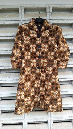 Dress Batik Tulis size L only 1 stock. IDR 750.000. Call. +6282125940119. Email : pagelaran.batik@gmail.com