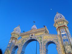 La Portada #sevilla #losremedios #feria #fiesta #laportada #bluesky #travel #adventure #discovery