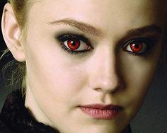 Dakota Fanning- Such am amazing actress in the Twilight Saga! Twilight Saga New Moon, Twilight Film, Vampire Twilight, Twilight Breaking Dawn, Nikki Reed, Kristen Stewart, Dakota And Elle Fanning, Twilight Pictures, Ange Demon