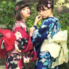 image Tokyo Fashion, Harajuku Fashion, Kimono Fashion, Japanese Outfits, Japanese Fashion, Cute Kimonos, Yukata Kimono, Japan Woman, Ulzzang Korean Girl