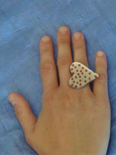 (9) Δαχτυλίδι καρδιά με χάντρες και υγρό γυαλί
