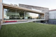 architecture project Dezanove House Sustainable and Spectacular: Dezanove House by Iñaki Leite