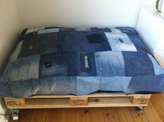 DIY - puf made of used jeans
