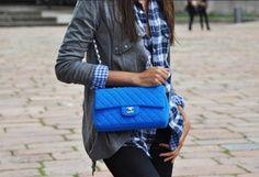 la modella mafia Model Off Duty Street Style - pop of color Neon Blue Chanel 7
