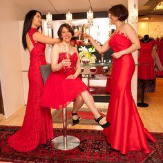 Ballmode in kräftigem rot Formal Dresses, Fashion, La Mode, Occasion Dresses, Nice Asses, Moda, Formal Gowns, Black Tie Dresses, Fasion
