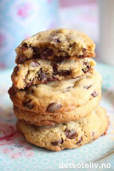 Chewy Chocolate Chip Cookies | Det søte liv Chewy Chocolate Chip Cookies, Chips, Food And Drink, Sweets, Baking, Potato Chip, Gummi Candy, Candy, Bakken