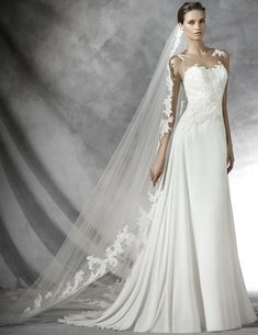 PRONOVIAS PRADAL BRIDAL GOWN