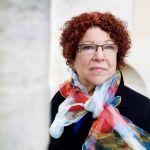 """Margareth Weathley: """"We moeten de wereld onder ogen zien zoals die is: onvoorspelbaar en onbeheersbaar. Het heeft geen zin om met oude kaarten te werken als we verdwaald zijn geraakt..."""""""