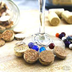 Distririogal - Blog: Marcadores para copas de vino. DIY. Corcho y cuentas
