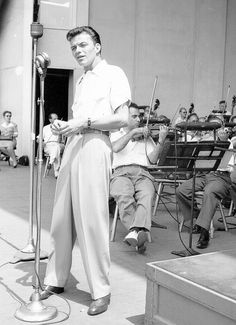 A young Frank Sinatra in rehearsal. - undated. web source photo - MReno
